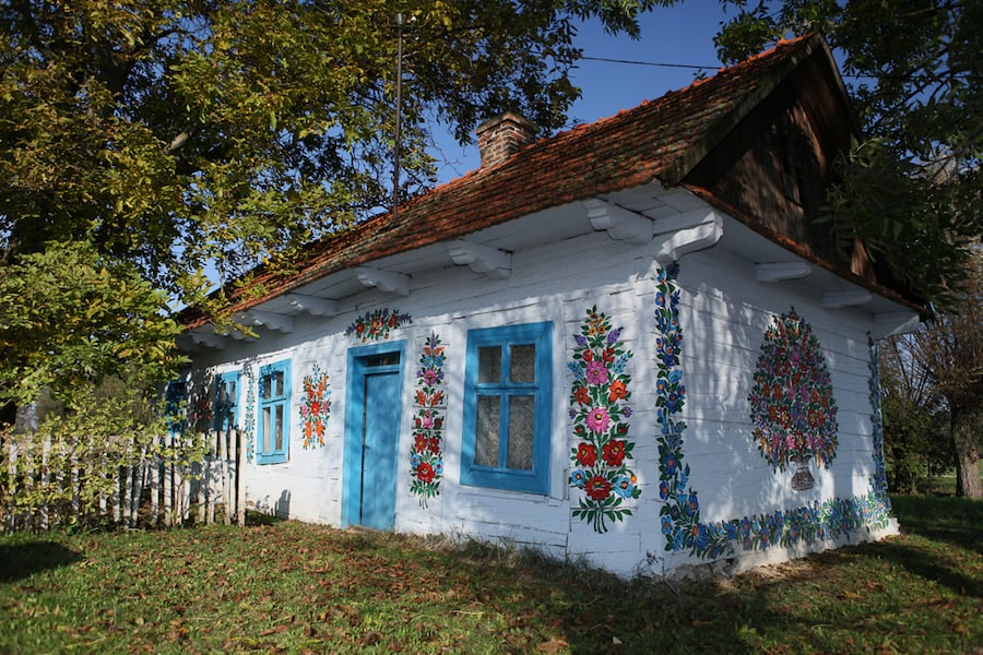 Zalipie-Poland-Painted-Houses-10