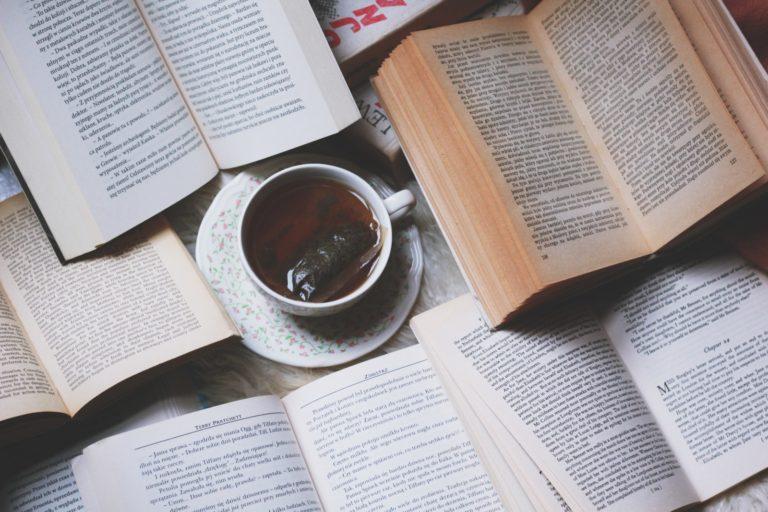 Książki ekonomiczne i książki nieekonomiczne