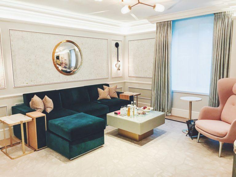 Riennahera w pracy i apartament w Mandarin Oriental Hyde Park w Londynie