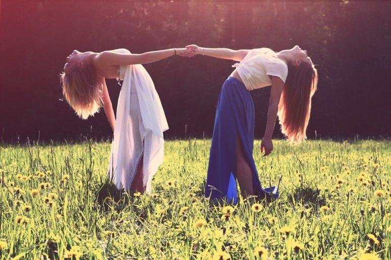 Przyjaźń błogosławiona, przyjaźń przeklęta